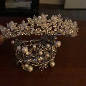 Wedding tiara and bracelet!